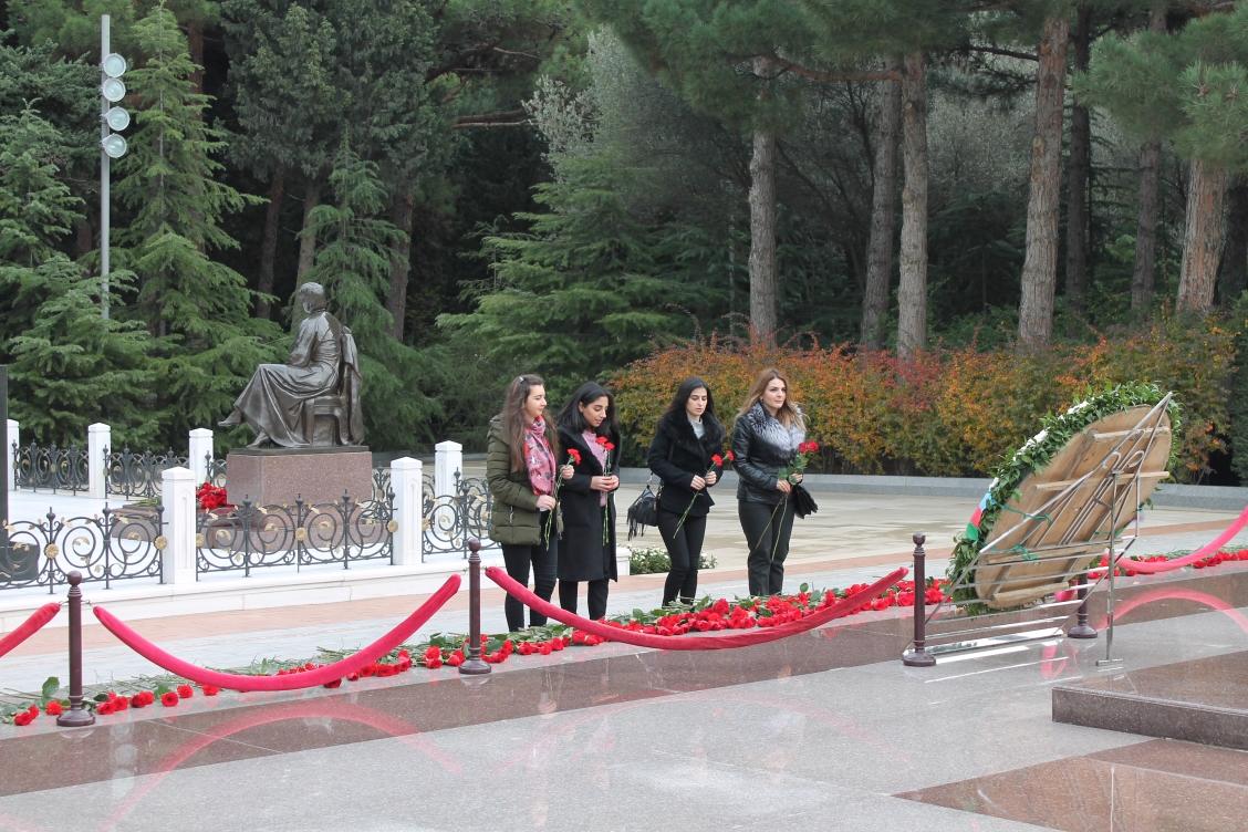 Ümummilli lider Heydər Əliyevin anım günün qeyd olundu.